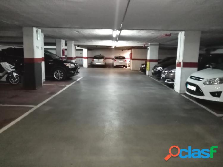Plaza parking c/ pintor maella (frente mercadona)