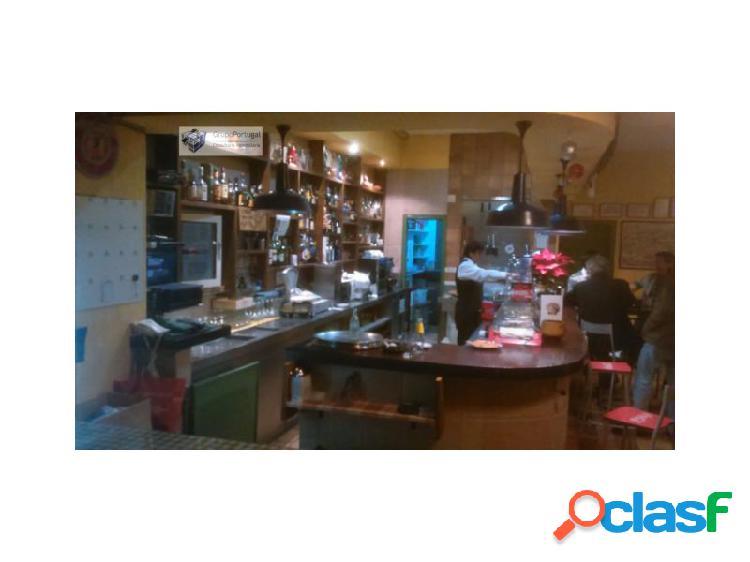 Traspaso bar restaurante 360m² con terraza en zona chamberí