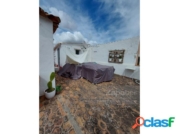 Amplia planta baja en Casco Antiguo 2