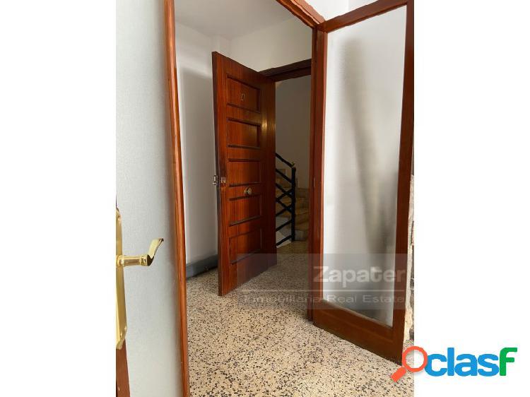 Oportunidad de piso céntrico Avenida Argentina 3