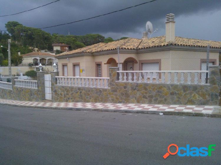 Casa semi nueva en aiguaviva parc