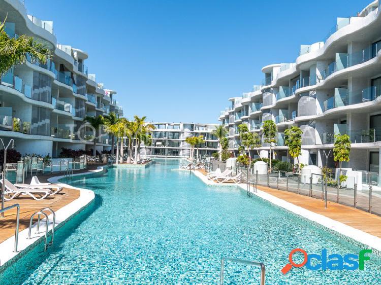 Apartamento de dos dormitorios en las olas - palm mar