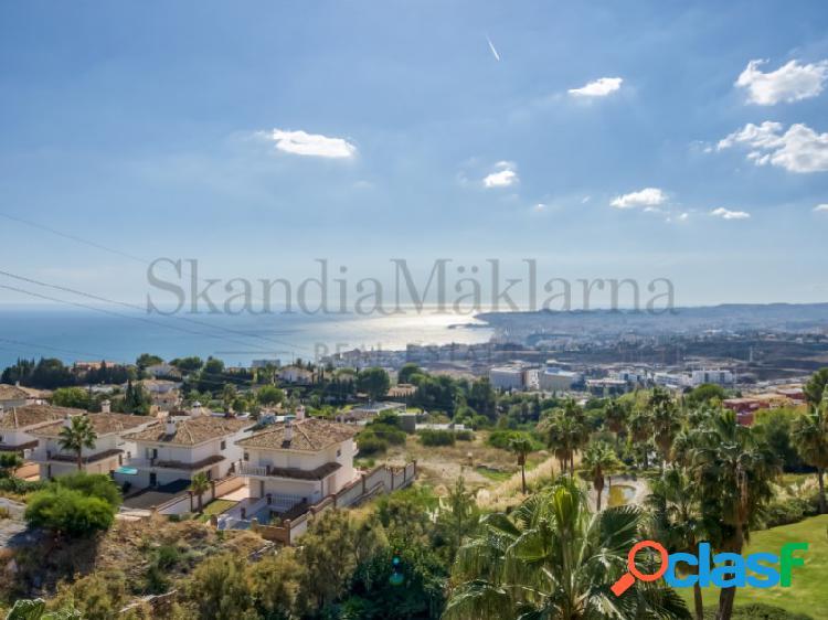 Ático dúplex con bonitas vistas al mediterráneo