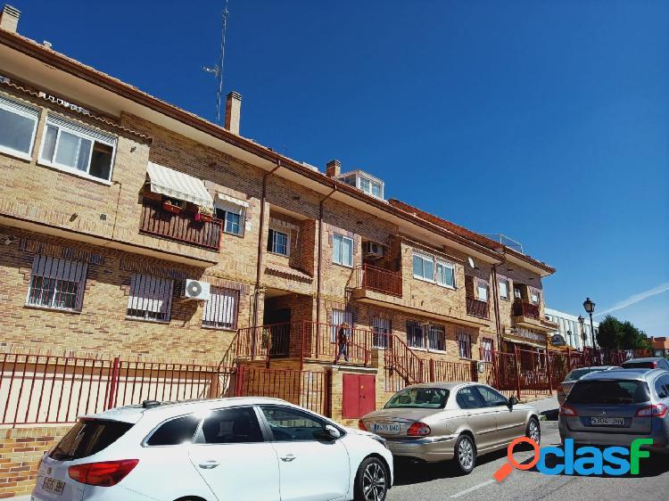 Piso dúplex en venta en calle Andalucía, zona castañera en Arroyomolinos 1