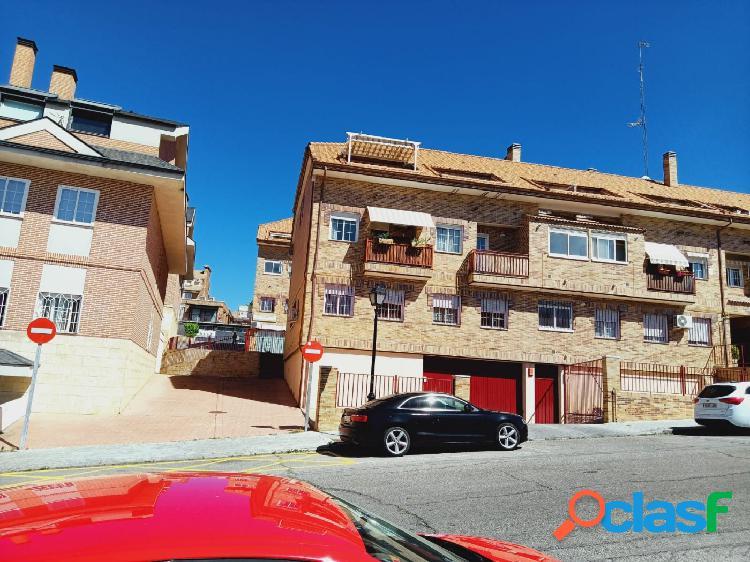 Piso dúplex en venta en calle Andalucía, zona castañera en Arroyomolinos 2