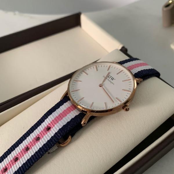 Reloj daniel wellington rosa