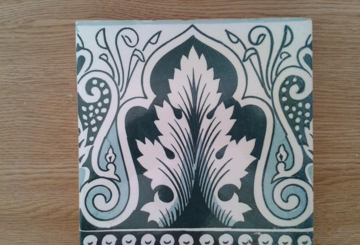 A8 azulejo antiguo modernista art nouveau hoja