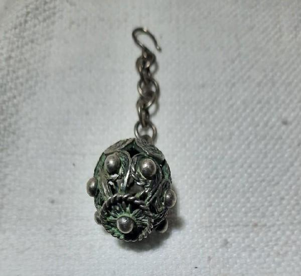 Antiguo colgante plata