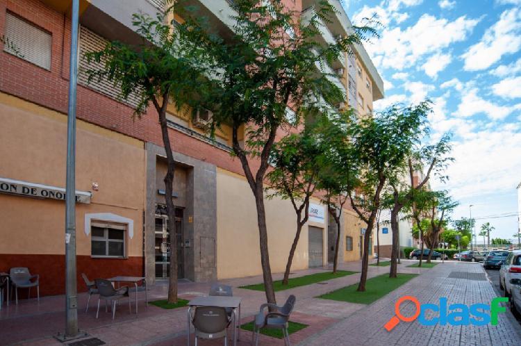 Alquiler con opción a compra. piso en alcantarilla 4 dormitorios zona de la plaza de las flores