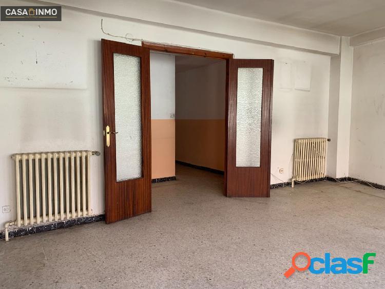 Se vende piso en el Centro de Barbastro. 3