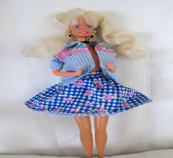 Barbie mattel 1966 con ropa y accesorios originales