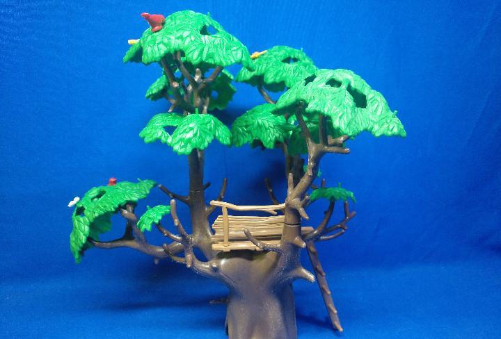 Playmobil árbol con plataforma de madera y barandilla