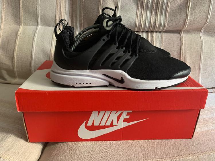 Nike air presto essentials / talla 45 / condición 7/10