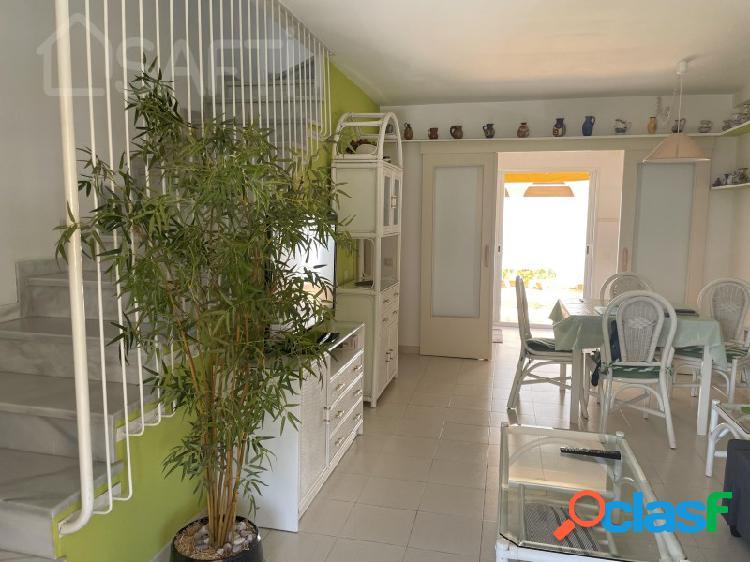 Casa adosada a precio de apartamento en la dorada a 200 metros playa