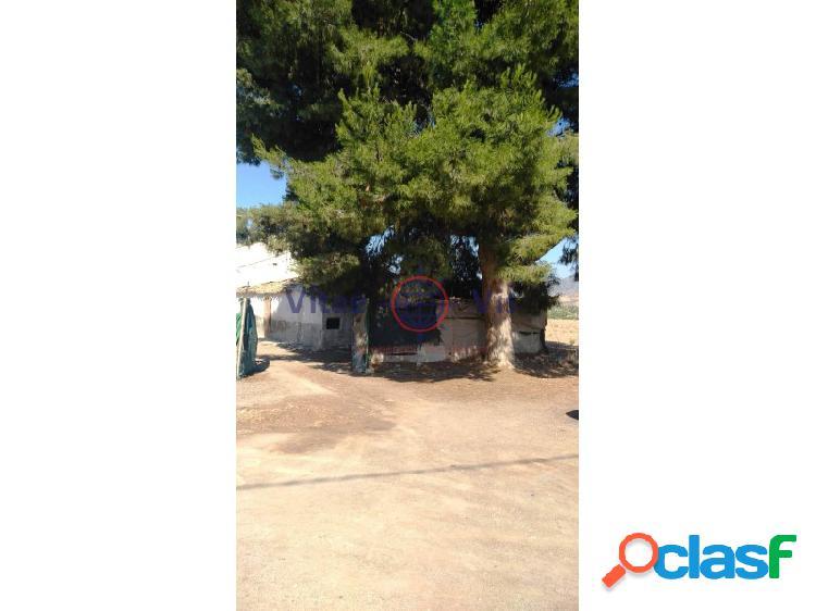 Casa de campo a restaurar en La Hoya CON PARCELA DE 5600 M2 1