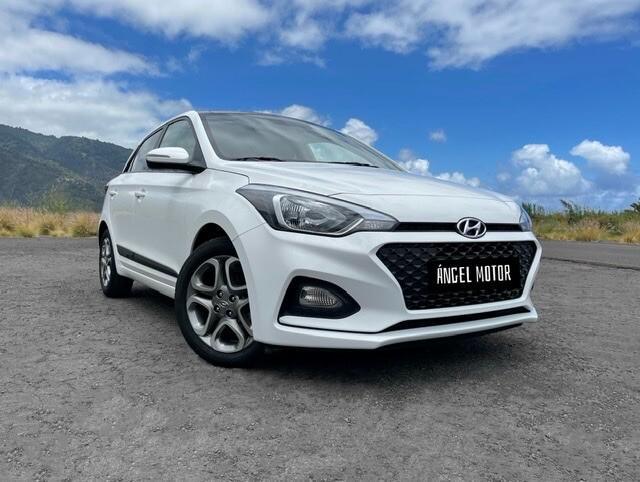 Hyundai i20 con 3 años de garantía oficial!