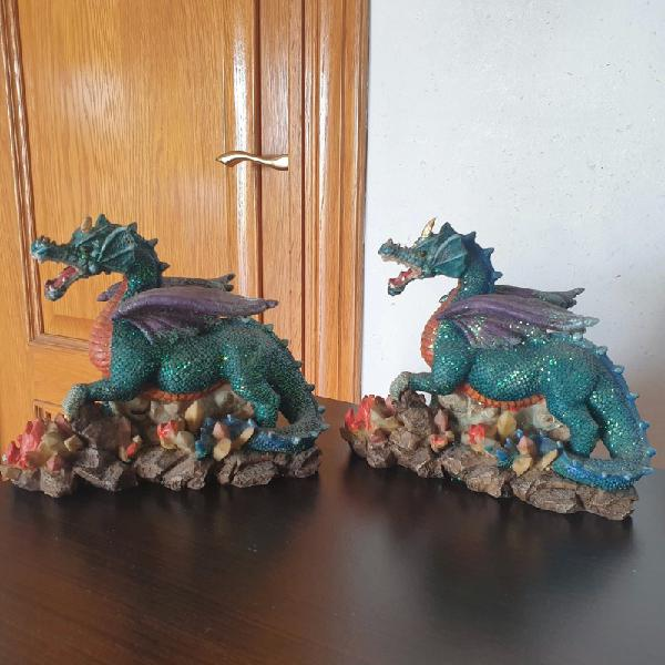 Figuras decorativas dragones