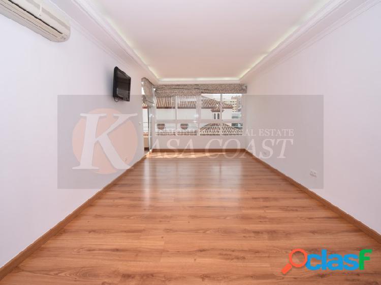 Piso de 101 m2 completamente reformado en alquiler de larga temporada en el centro de fuengirola.