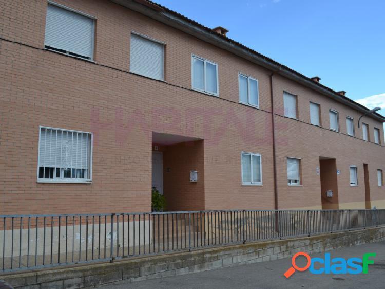 Osera de Ebro. Unifamiliar de cuatro dormitorios.