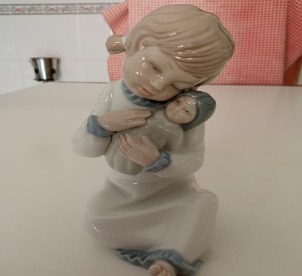 Figura niña porcelana lladro (zaphir)