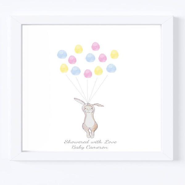 Bebé ducha keepsake arte, conejo sosteniendo pulgar /
