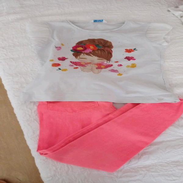 Pantalón y camiseta talla 8