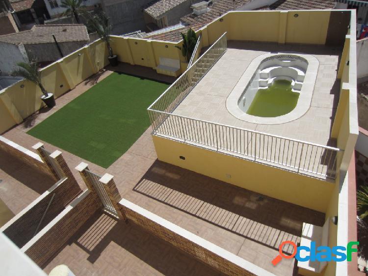 Ático frente ayuntamiento de molina de segura en edificio con piscina, trastero y garaje