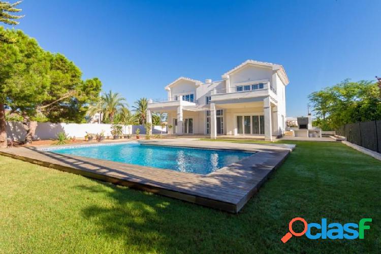 Villa de lujo con vistas al mar en primera línea de orihuela costa