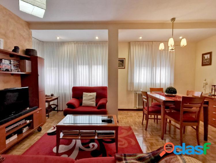 """finance [amp;] home pone a la venta este preciosos piso exterior de 3 dormitorios listo para entrar a vi"