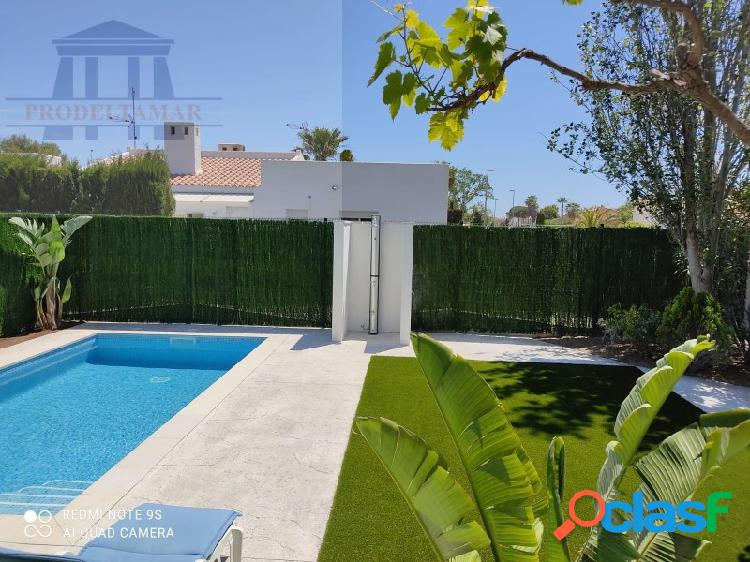 Casa con piscina privada a 300m de la playa