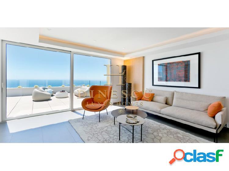 Moderno apartamento llave en mano con fantásticas vistas al mar y a la montaña en un complejo de primera categoría