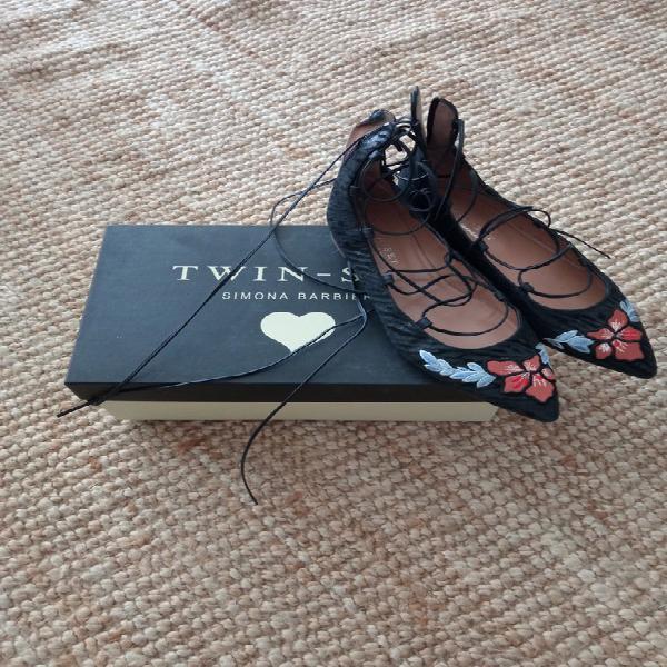 Preciosos zapatos planos con citas de twin set