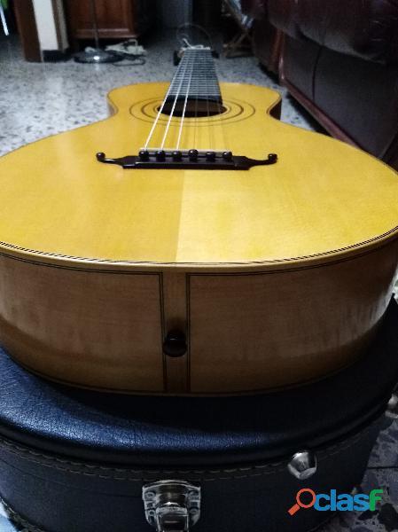 Guitarra romántica Patrick Hopmans