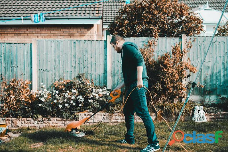Se traspasa increíble empresa de maquinaria de jardín