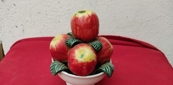 Centro de ceramica frutas