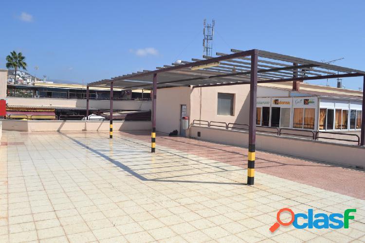 Local comercial muy bien situado con gran terraza en arguineguin