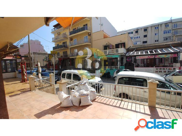 Local comercial de 226 m2 con terraza al lado de mar