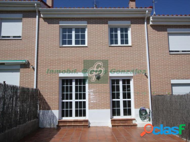 Chalet adosado, 4 habitaciones, benavente (zamora)