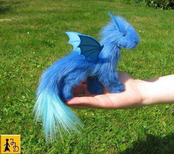 Hecho a la orden muñeca dragón posable azul claro fistkin