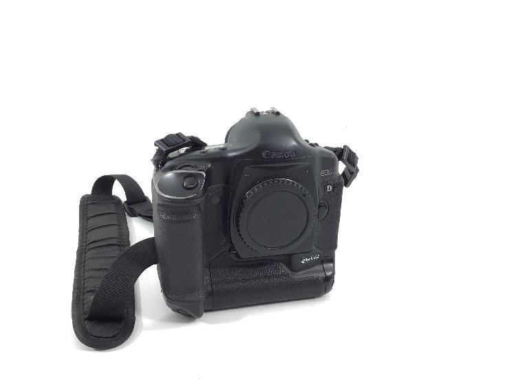 Camara digital reflex canon eos-1 d mark ii n