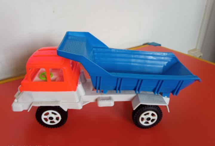 Camión volquete basculante (23 cm).bullycan 80s.nuevo.
