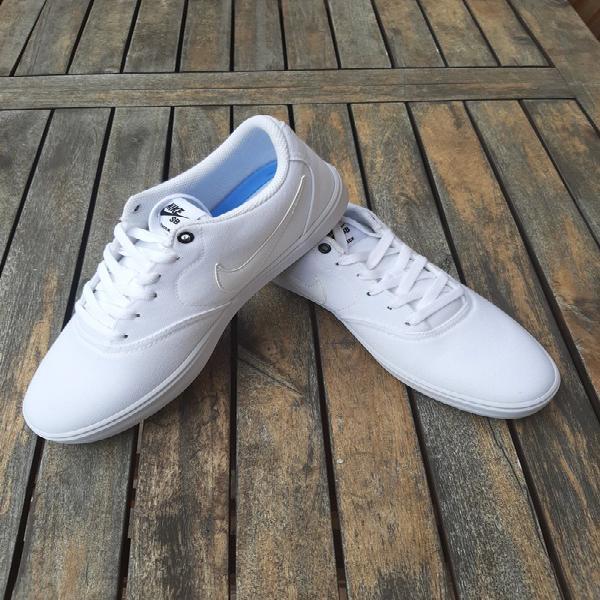 Nike sb blancas