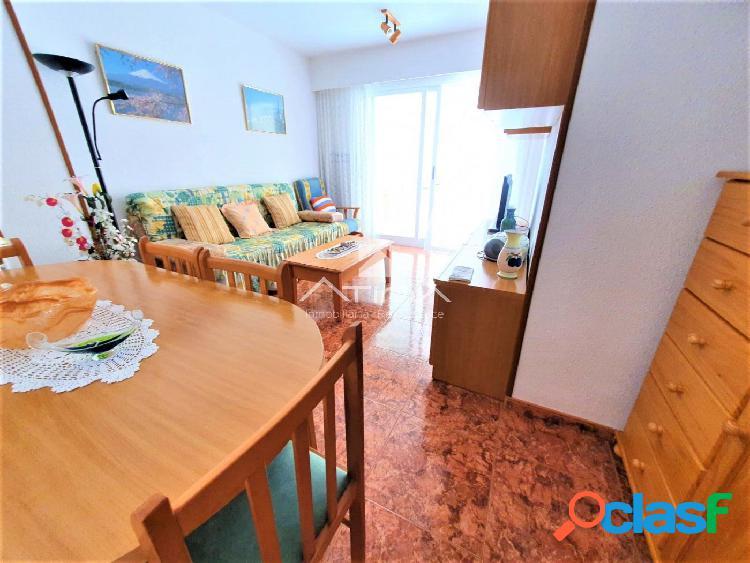 Apartamento con amplia terraza y vistas al mar situado en 3ª línea playa Daimús, 3
