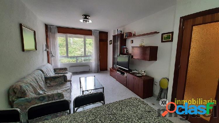 Se vende piso de 1 habitacion con dos plazas de garaje en unquera, val de san vicente