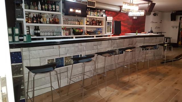 Bar en zona centro poteo y kopas