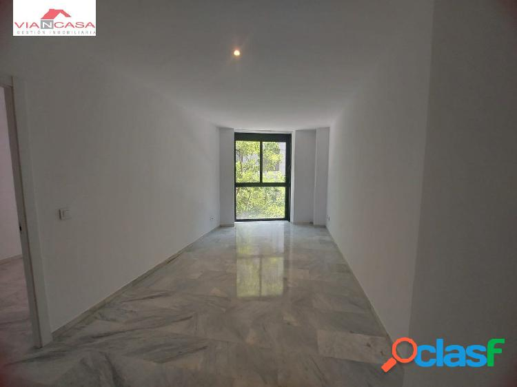 Alquiler de piso reformado en nuevos ministerios, exterior, sin amueblar, 1 dormitorio.