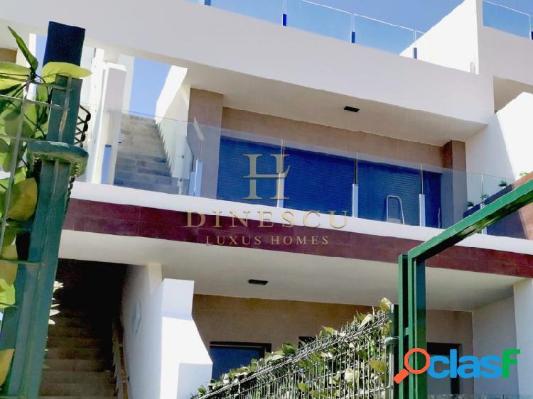 Casa dúplex amueblada con terraza en el tejado en un complejo de lujo con gimnasio y piscina cubierta