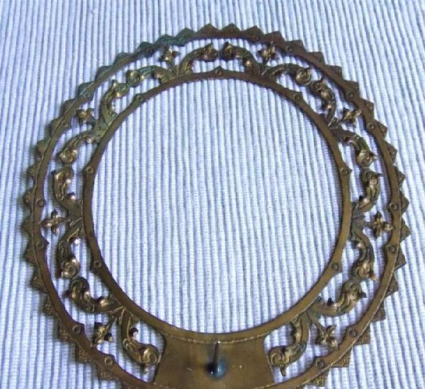 Antigua corona de 14 cms de metal dorado para imagen