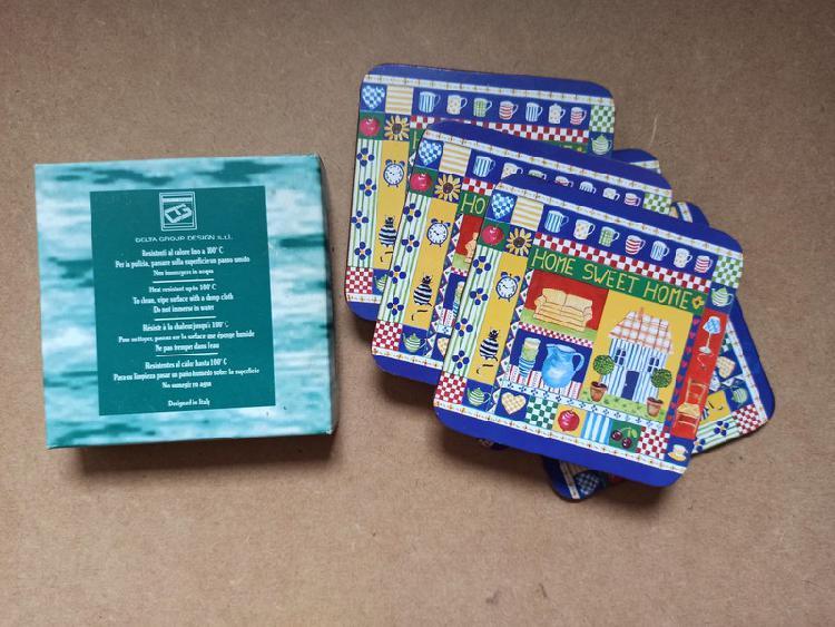Caja carton vintage con posavasos italianos