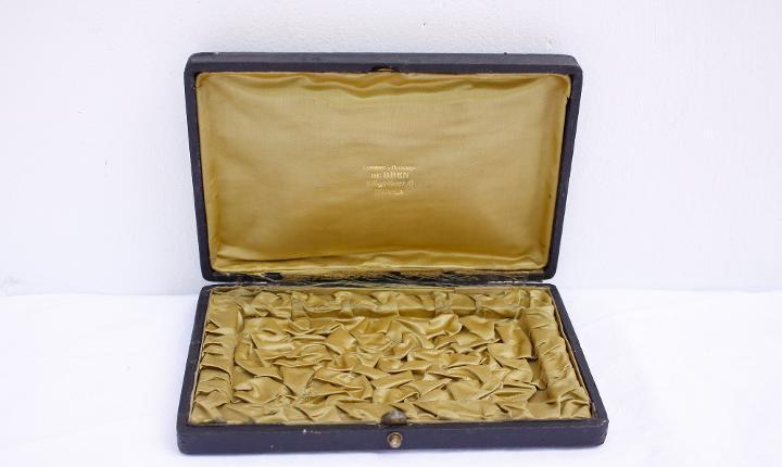 Caja de almacenamiento de joyería vintage para piezas más